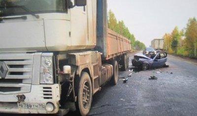 Две женщины погибли в ДТП с фурами в Иркутской области