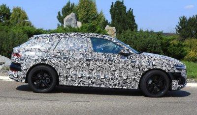 Прототип нового мощнейшего гибридного кроссовера от Audi попался фотошпионам