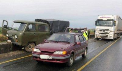 Два человека пострадали в тройном ДТП на М-7 в Чувашии