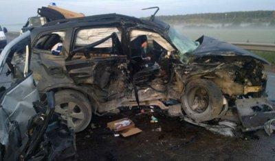 Четыре человека погибли в ночном ДТП в Удмуртии