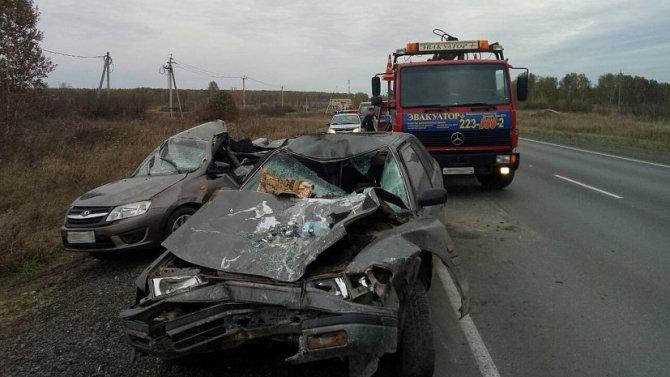 Пассажирка «Лады» погибла в тройном ДТП в Челябинской области (4).jpg