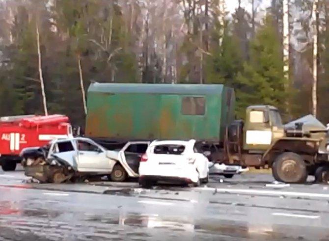 Три человека пострадали в ДТП на Якшур-Бодьинском тракте Удмуртии
