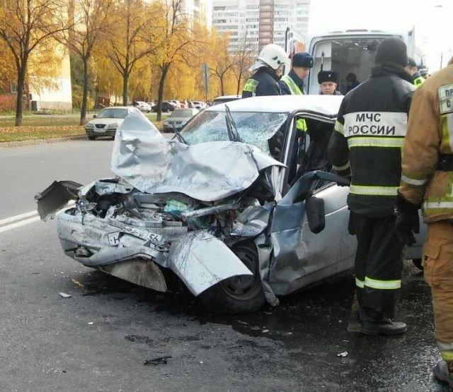 Серьезное ДТП на Маршала Захарова в Петербурге (5)