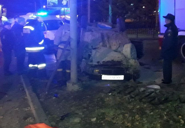 В ночном ДТП в Перми погиб человек.jpg