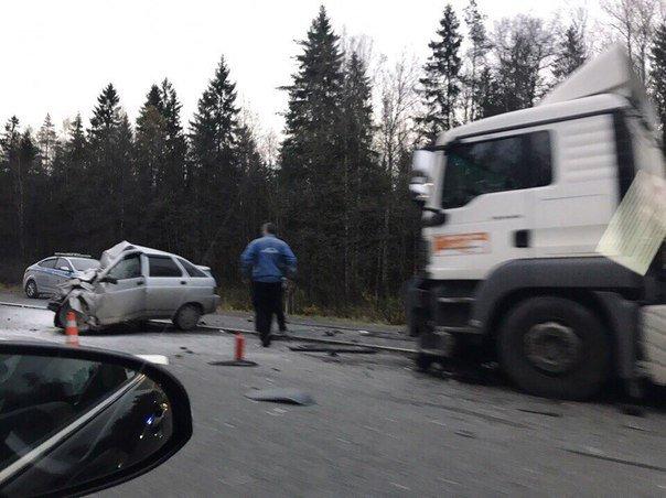 Водитель ВАЗа погиб в ДТП под Гатчиной (1)