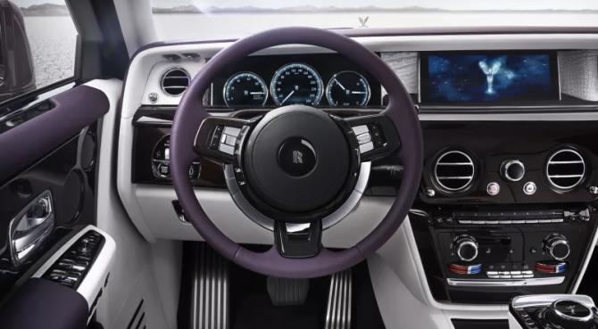 Rolls-Royce Phantom VIII  салон