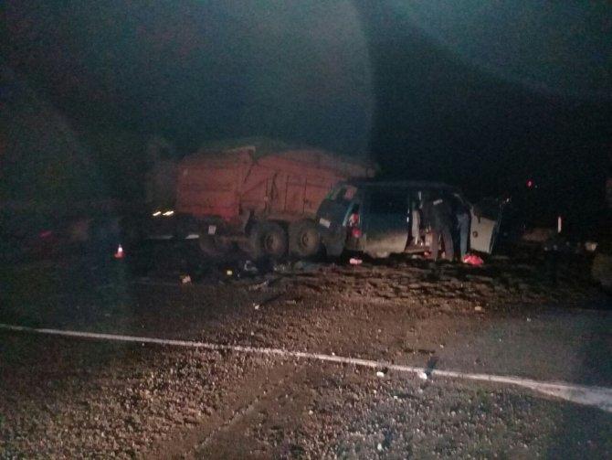 Три человека погибли в ДТП с трактором под Оренбургом (2)