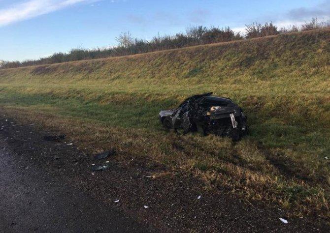 Под Тулой водитель иномарки насмерть сбил водителя «Лады», вышедшего из машины.jpg