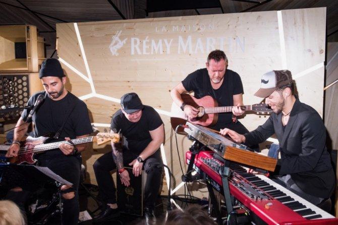 Акустический концерт группы Grisha Urgant в La Maison Remy Martin3.jpg