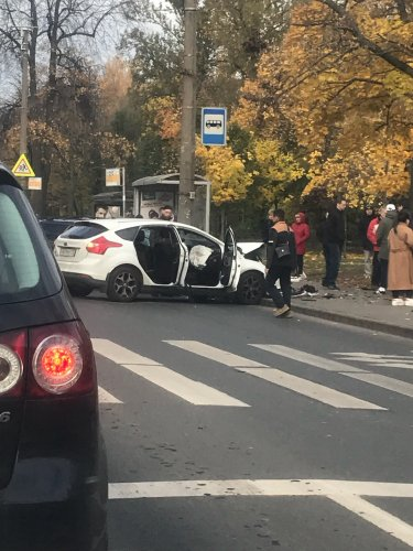Серьезное ДТП на Маршала Захарова в Петербурге (2)