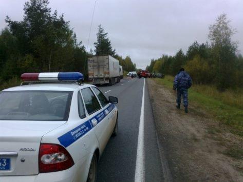 Один человек погиб и 9 пострадали в ДТП на трассе «Вятка» в Кировской области (4).jpg