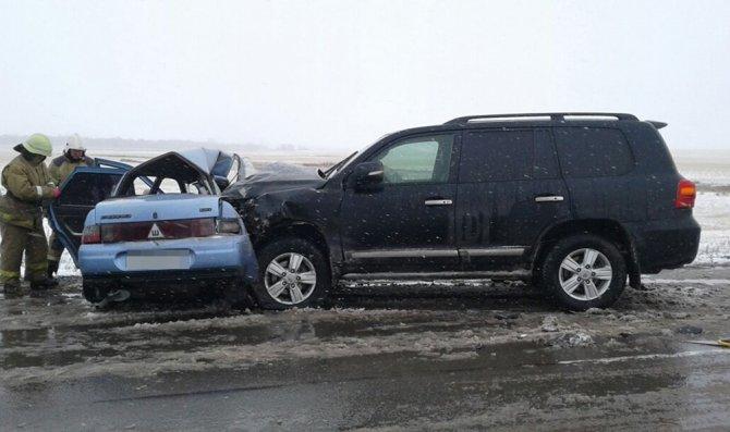 Три человека из ВАЗа погибли в ДТП на трассе в Башкирии (1)