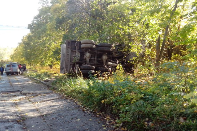 В Ульяновске погиб водитель опрокинувшегося КамАЗа