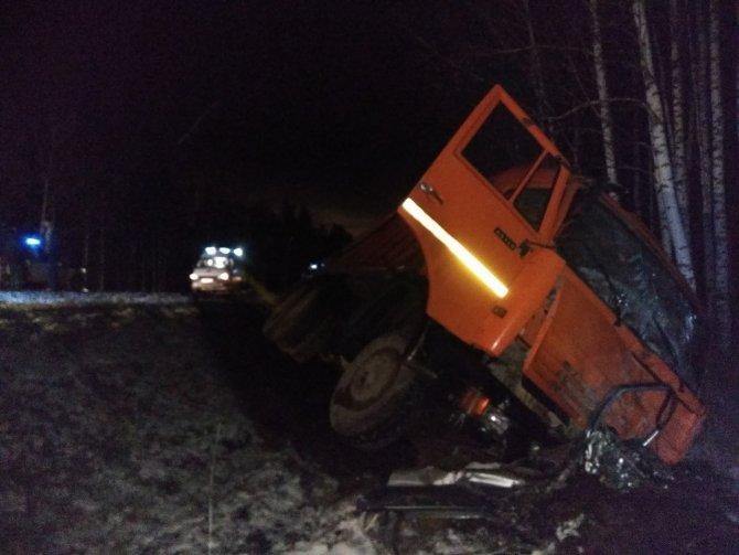 Четыре человека погибли в ночном ДТП на Червишевском тракте под Тюменью (3).jpg