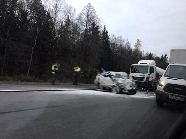Водитель ВАЗа погиб в ДТП под Гатчиной (3)