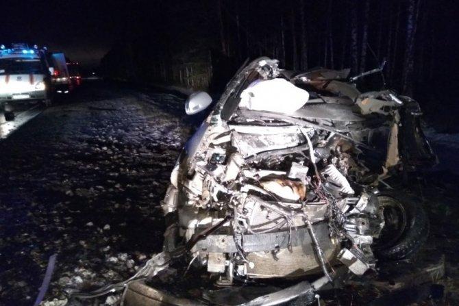 Четыре человека погибли в ночном ДТП на Червишевском тракте под Тюменью (1).jpg
