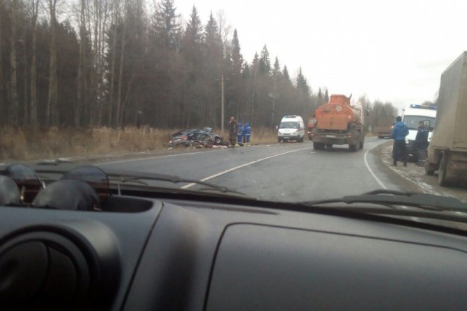 Два человека из иномарки погибли в ДТП с КамАЗом в Пермском крае