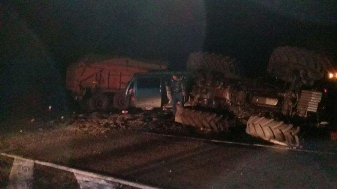 Три человека погибли в ДТП с трактором под Оренбургом (1)