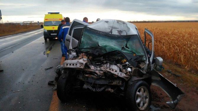 Водитель «Нивы» погиб в ДТП с фурой в Бузулукском районе (2)