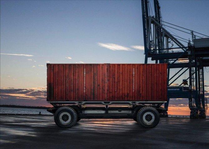 General Motors создали автономное грузовое шасси SURUS (5).jpg