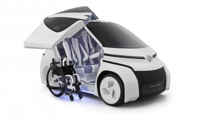 Toyota представила маленький электрический ситикар для инвалидов (5)
