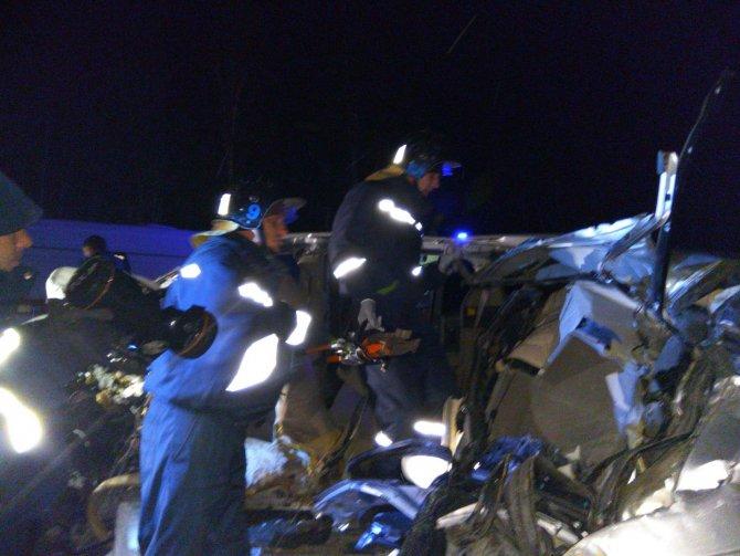 Четыре человека погибли в ночном ДТП на Червишевском тракте под Тюменью (2).jpg
