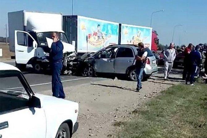 Пассажирка иномарки погибла в ДТП под Краснодаром.jpg