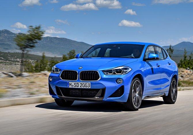 BMW X2 синяя