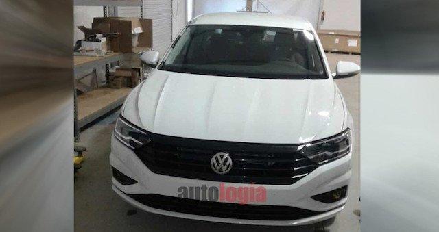 В Сети появились фото нового Volkswagen Jetta 2019 (2)