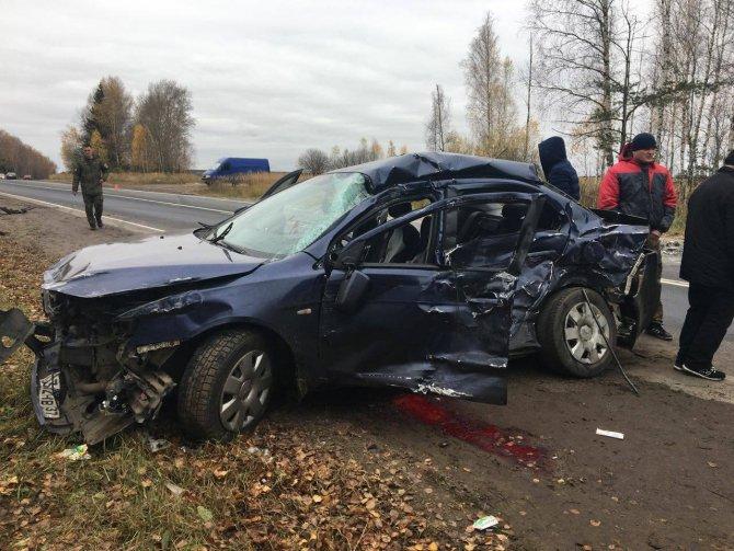Два человека погибли в ДТП на трассе Ростов - Иваново - Нижний Новгород в Шуйском районе (3)