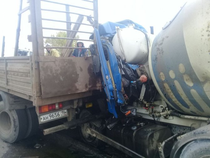 В Казани в ДТП погиб водитель бетономешалки (2).jpg