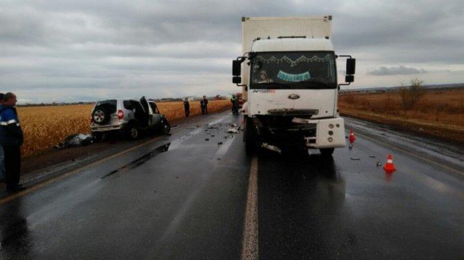 Водитель «Нивы» погиб в ДТП с фурой в Бузулукском районе (1)