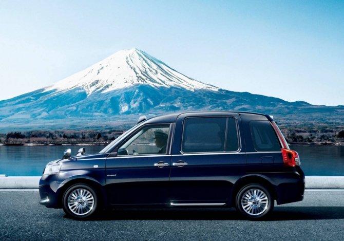 Toyota  JPN Taxi (2)
