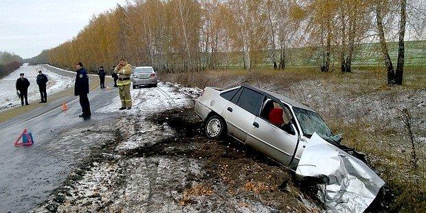 Пять человек пострадали в ДТП с КамАЗом в Курской области (3)