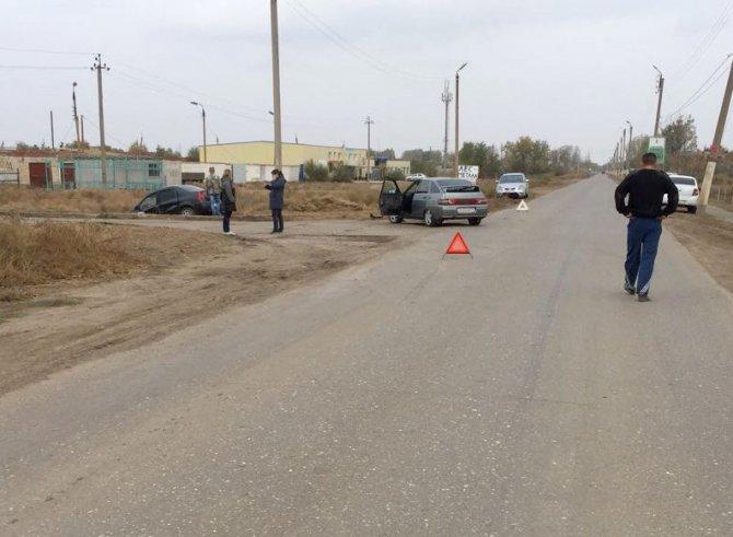 Двое детей пострадали в ДТП в Астраханской области (2)