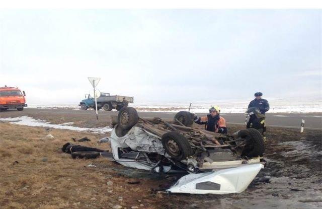 В ДТП в Туве погибли трое взрослых и ребенок (2)