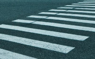 В Кемерове автомобиль сбил двух женщин на переходе