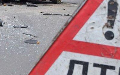 Под Ярославлем «Нива» врезалась встоящий грузовик— погибло 3 человека
