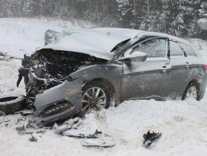 Женщина-водитель иномарки погибла в ДТП в Верховажском районе (2)