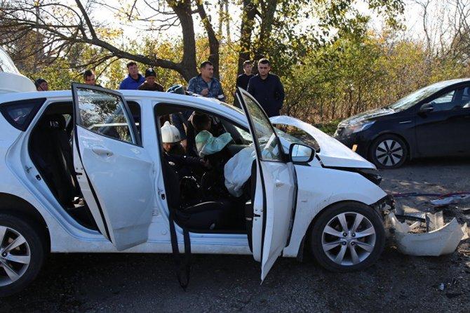 ДТП в Крыму погибший ребенок и 10 пострадавший (3)