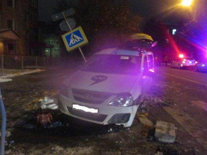 Пассажирка такси погибла в ночном ДТП в Туле