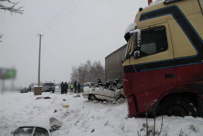 8-летняя девочка погибла в ДТП с фурой в Костроме (6)