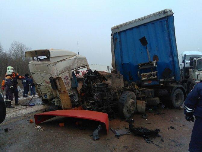 Оба водителя погибли в ДТП на трассе М-7 в Пестречинском районе (4)