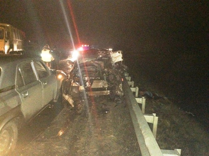 Водитель иномарки погиб в ДТП с КамАЗом на трассе Самара-Бугуруслан (1)