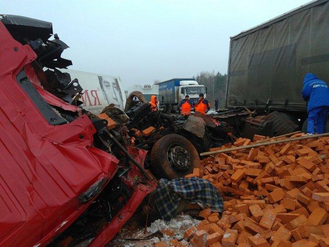 Оба водителя погибли в ДТП на трассе М-7 в Пестречинском районе (3)