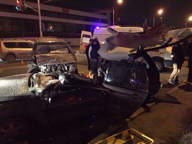 Жещина погибла в ДТП с такси в Уфе (2)