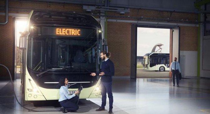 Volvo представили полностью электрический автобус 7900 Electric (1)