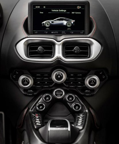 Aston Martin Vantage 2018 Panel