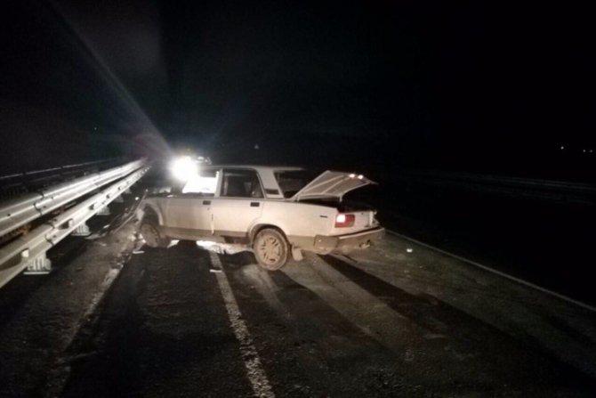 В Саратовской области водитель бросил машину с ранеными пассажирами сбежал с места ДТП