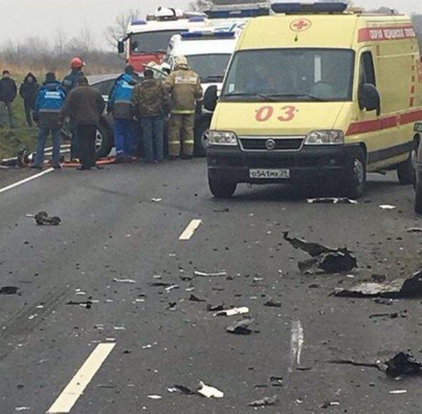 Под Черняховском Honda врезалась в фуру погибла женщина (1)